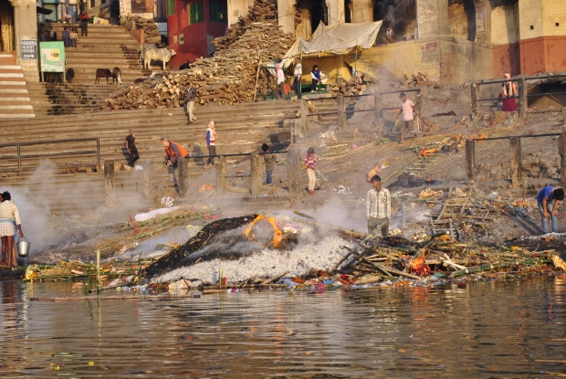 Harishchandra Ghat - small burning Ghat.