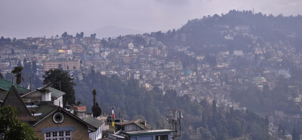Da wollen wir hin. Bezauberndes Darjeeling. Im Nebel.