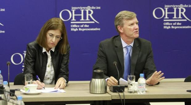 Im Gespräch mit Ulrike Hartmann un Bruce Berton im Office des High Representative